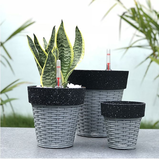 Black Sand - Weaved Flat Planter Round