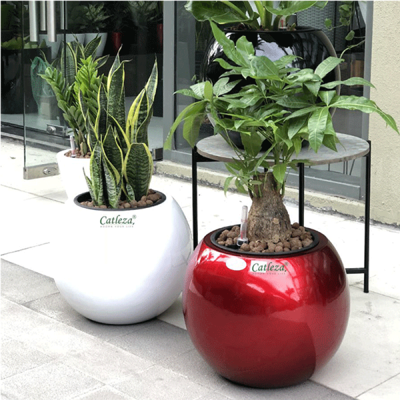 Composite Planter Globular